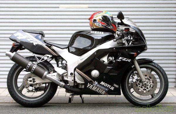 Yamaha FZR 400 RR