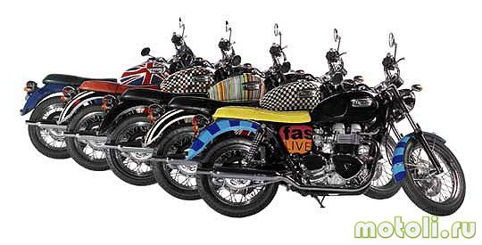 Мотоцикл Triumph Bonneville T100 Union Flag with Naked Lady (2005)