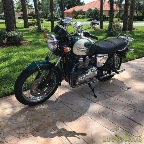 Мотоцикл Triumph Bonneville T100 (2007)