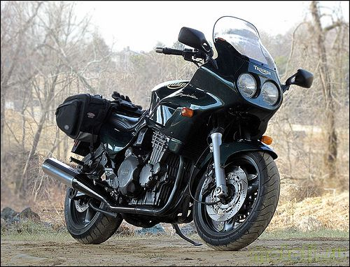 Мотоцикл Triumph Sprint 900 Sport (1997)