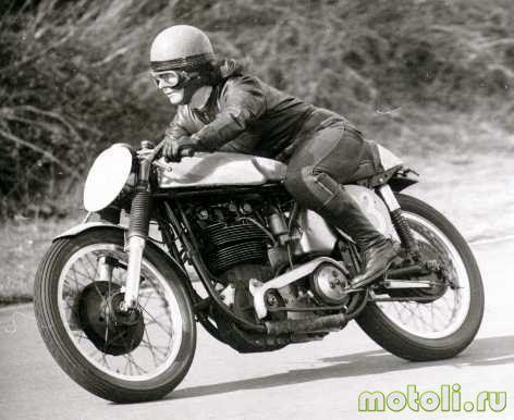 история возникновения женского мотошлема