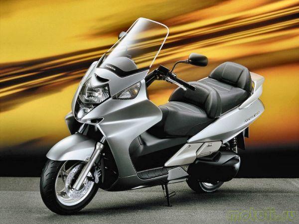 максискутер Honda Silver Wing