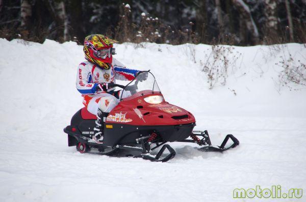 детский бензиновый снегоход