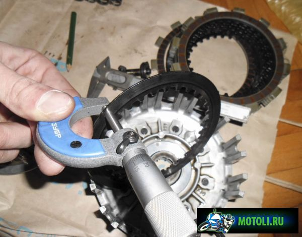 Процесс починки корзины сцепления на примере мотоцикла Yamaha YZ250F