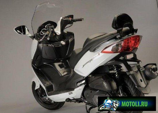 SYM Joymax 300i 2012 модельного года — новинка для путешествий и городской суеты