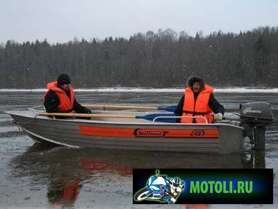 Лодка Вельбот-42
