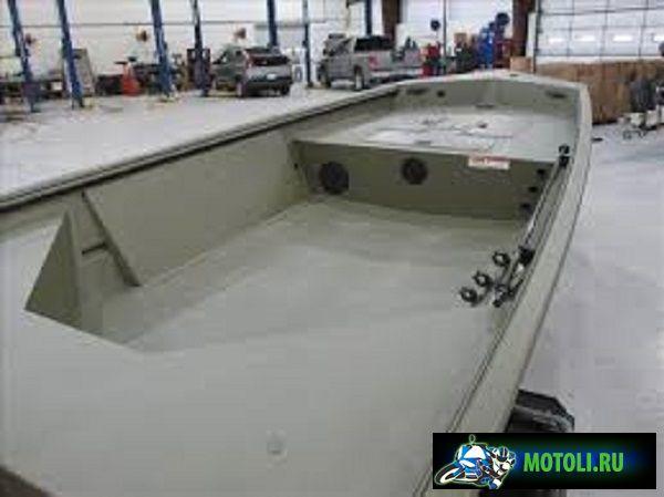 Crestliner Модель 1650 Retriever Jon Deluxe